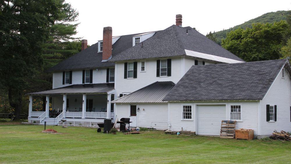Rocker River Inn Lodge.