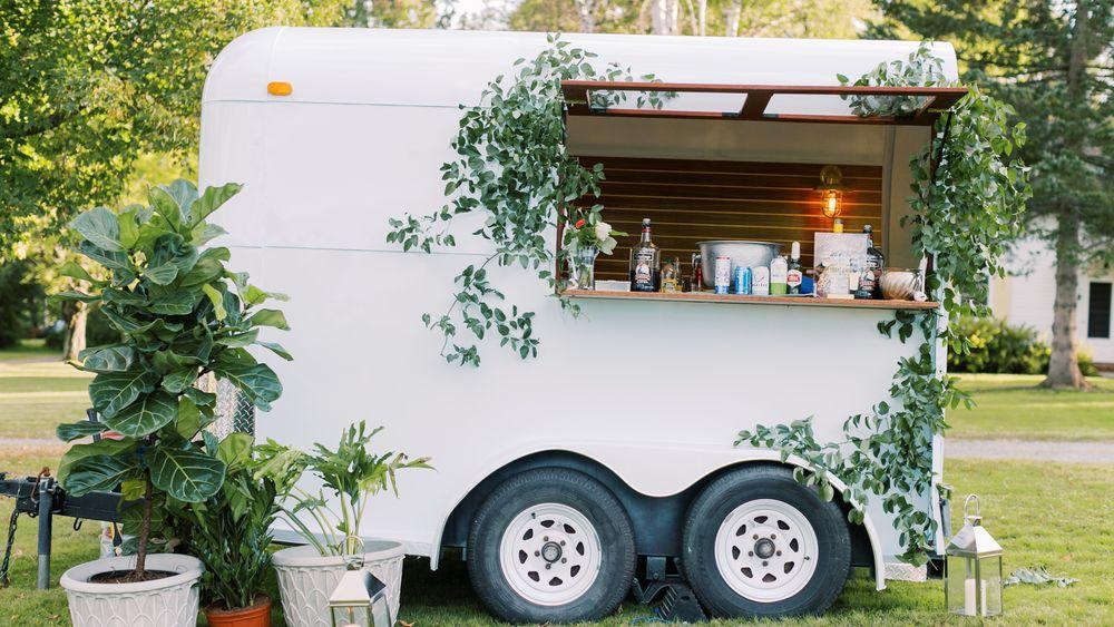 Hop and Vine mobile bar