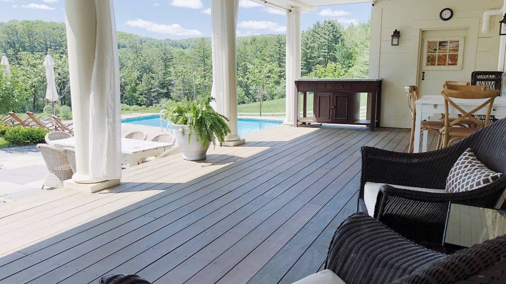 40' porch overlooking pool.