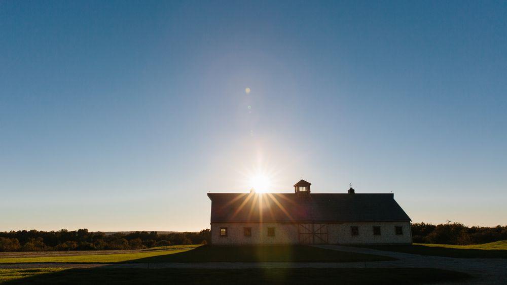 The barn at Weatherlow Farms, facing west. Erin McGinn Photography.