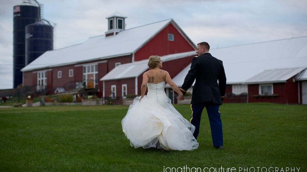 Iconic red barn creates a charming yet rustic ambiance