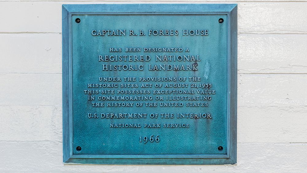 National Historic Landmark plaque. (Image courtesy of Sasha Pedro Photography, @sashapdro)