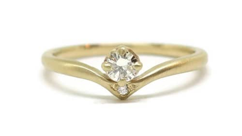 Point Yellow Prongs Engagement Ring