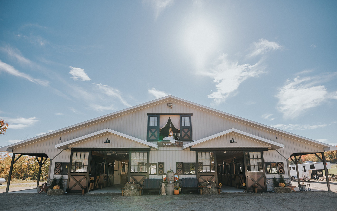 Maine---Barn-Wedding-Venue---Enchanted-Gables---Ben-Wheeler-Photography12