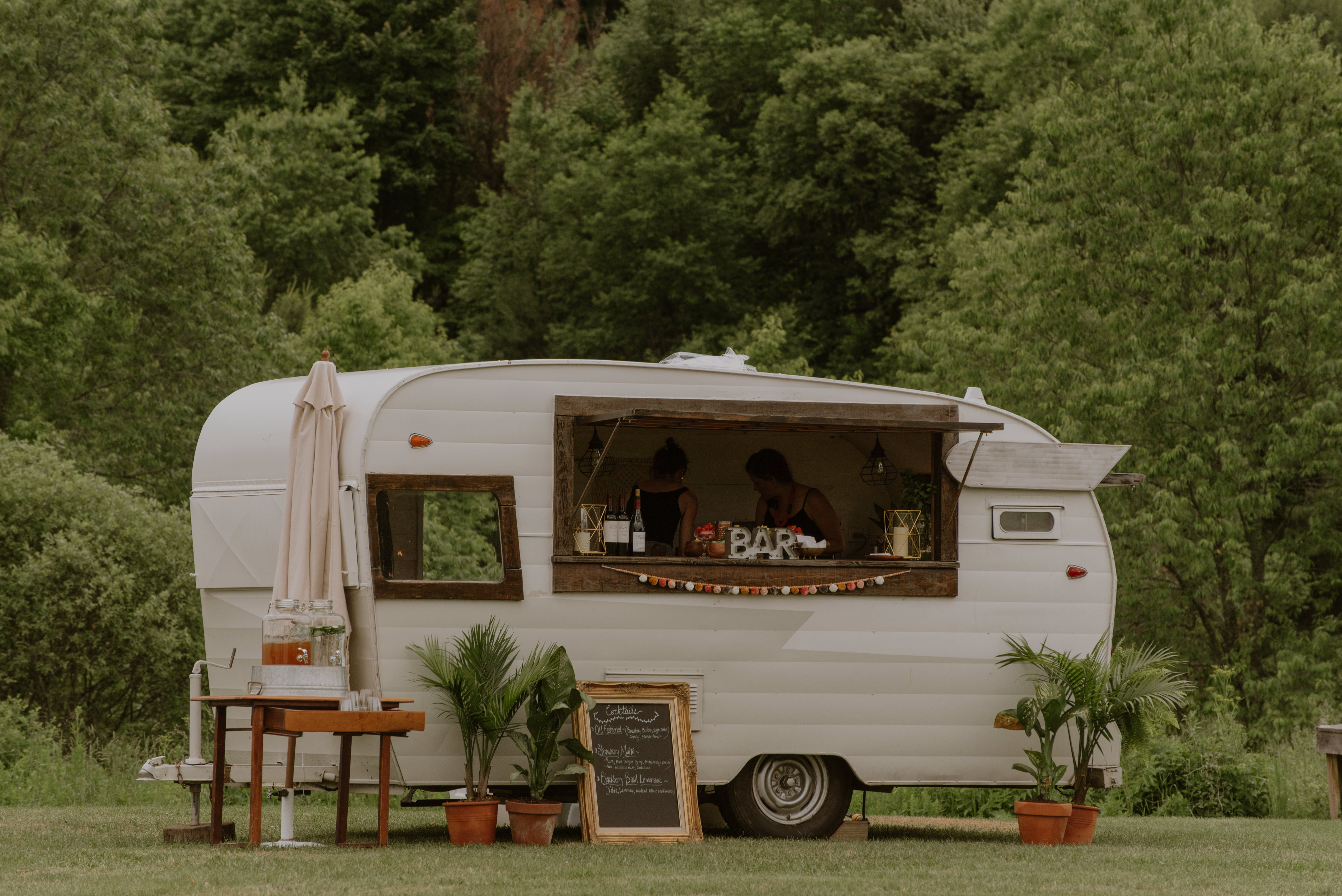 Amber-Alex-Wedding-Upstate-Catskills-Summer-Meadowlark-Stills-Lawrence-Braun--0213