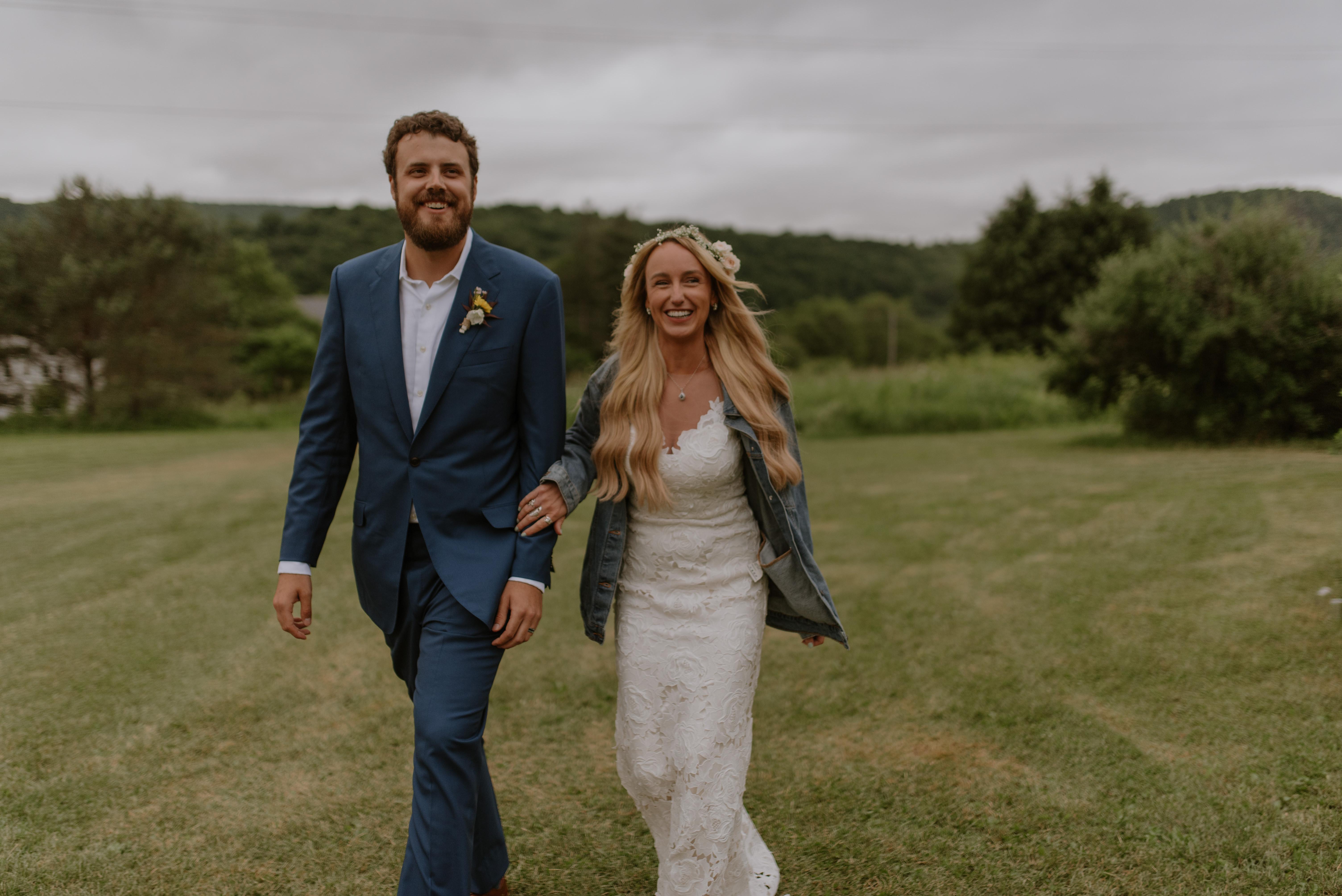 Amber-Alex-Wedding-Upstate-Catskills-Summer-Meadowlark-Stills-Lawrence-Braun--0407