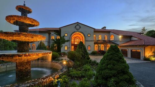 The Hudson River Estate